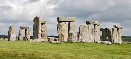 Stonehenge-.jpg