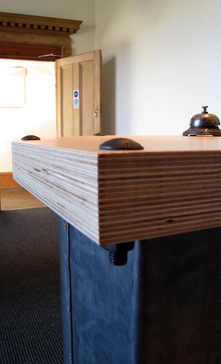 desk-188.jpg