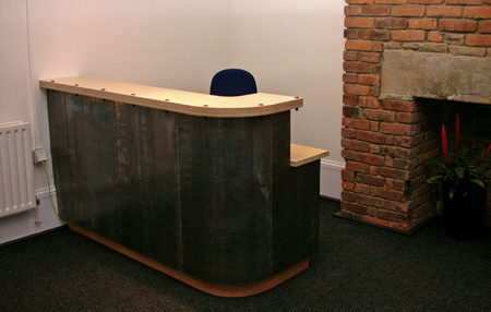 desk-L149.jpg