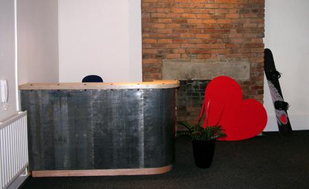 desk-L154.jpg