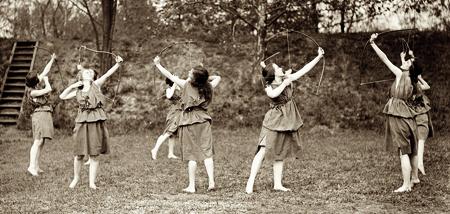 women-archery.jpg